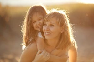 can-single-parents-adopt-a-child-e1449590312813